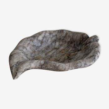 Grey-white veined stone leaf ashtray
