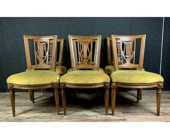 Série de 6 chaises époque Louis XVI en noyer