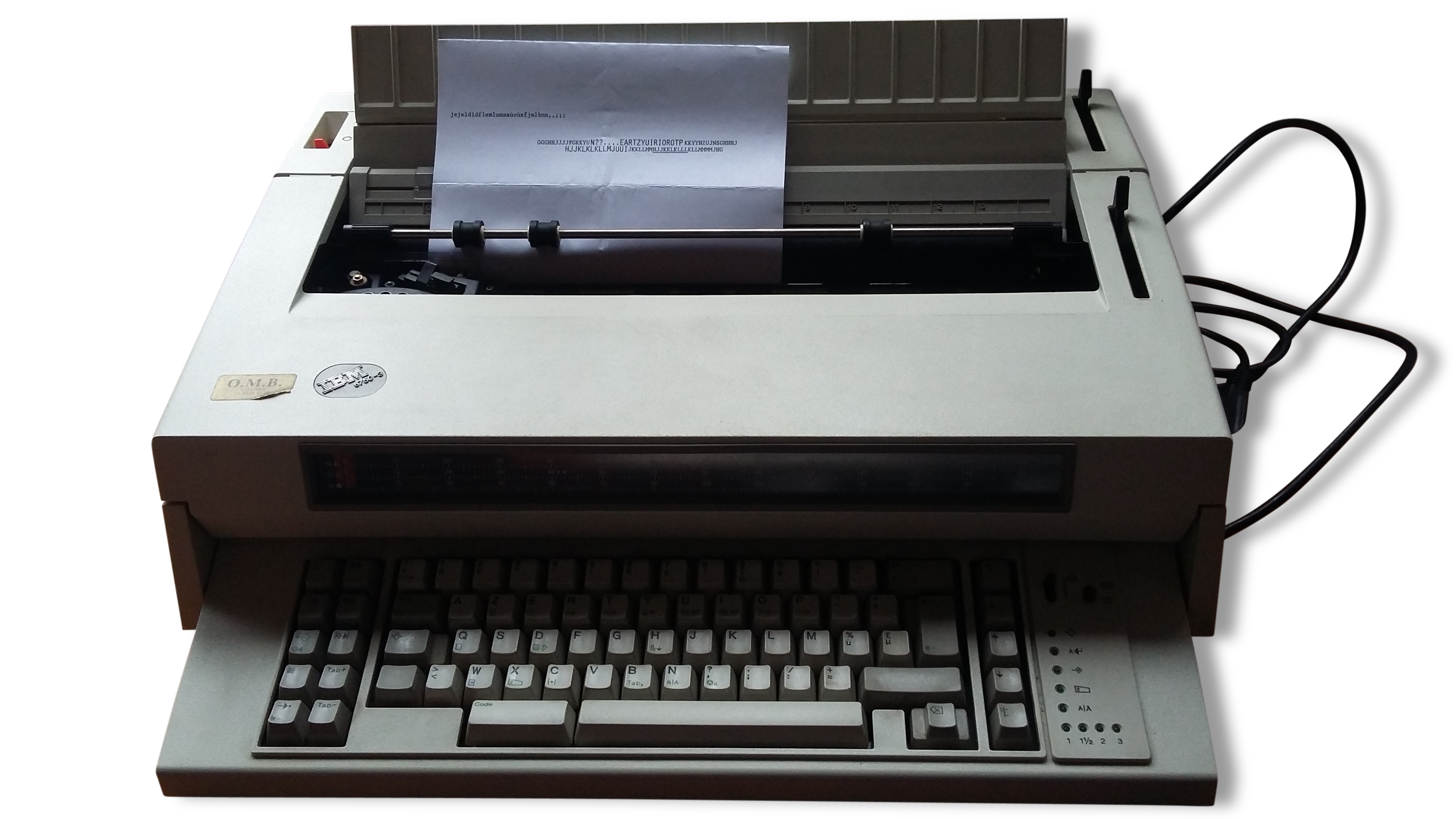 Machine à écrire IBM 6750 3