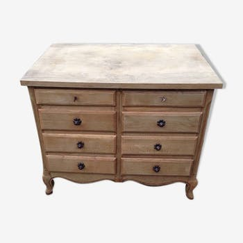 Chest of drawers in pickled oak