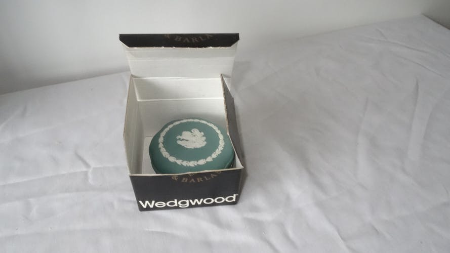 Bonbonnière wedgwood verte