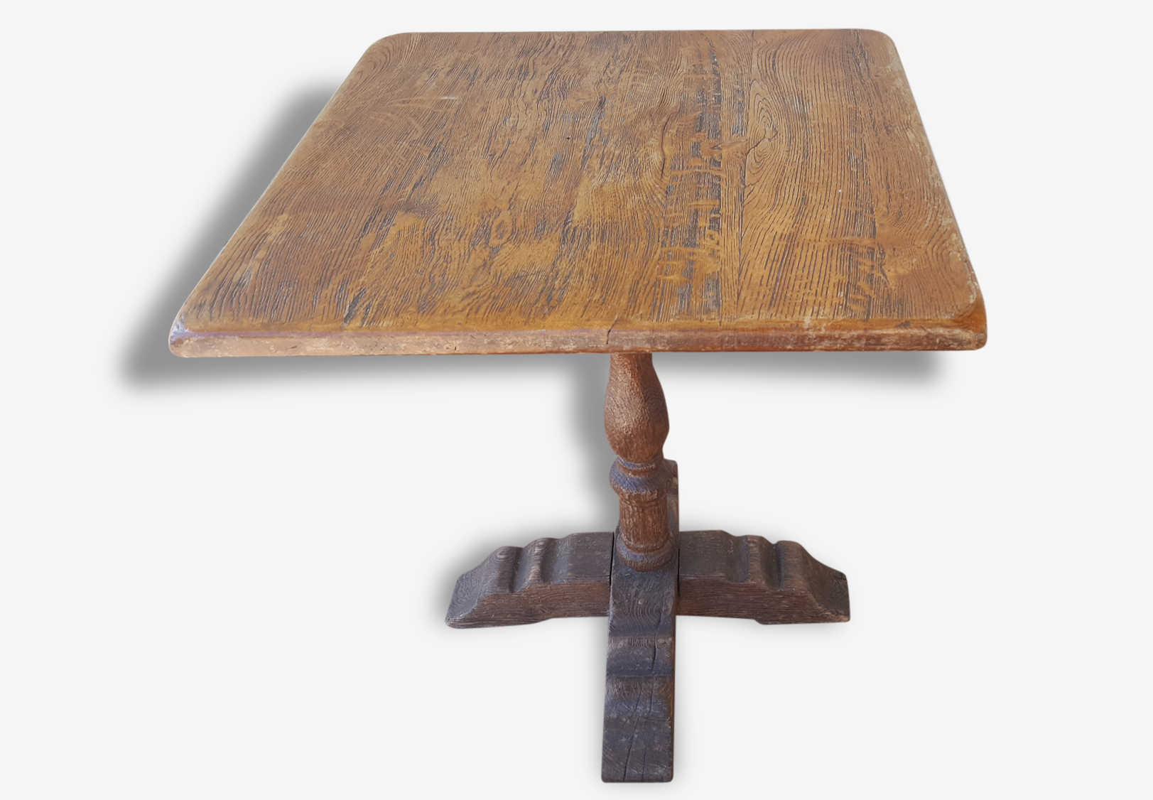 Lot tables anciennes d'un manoir