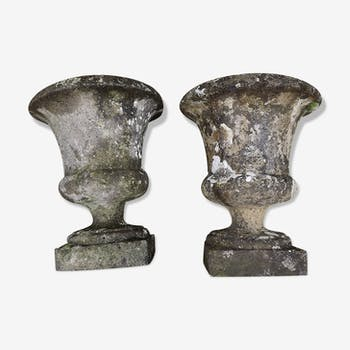 Paire de vases Medicis en pierre reconstituée