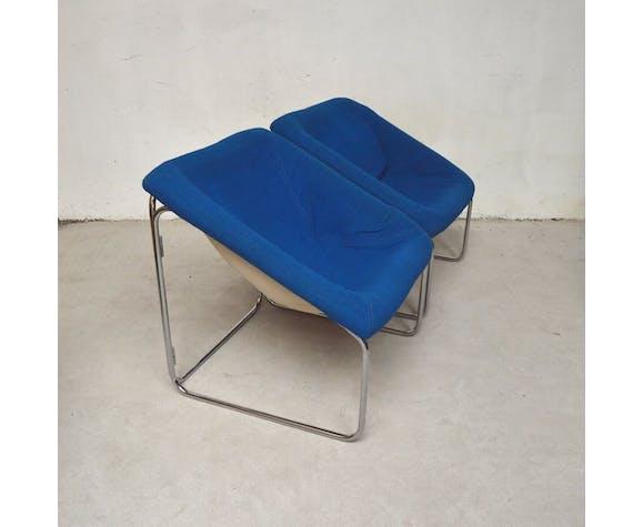 Paire de chauffeuses forme cubique