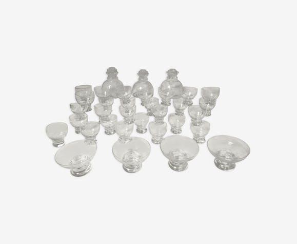 Service de 3 carafes et 31 verres en cristal art déco