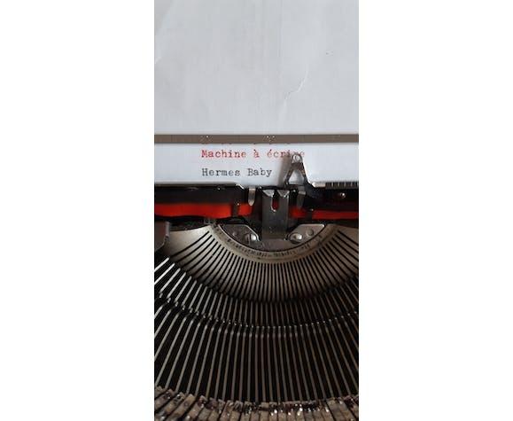 Machine à écrire Hermes Baby fonctionnelle