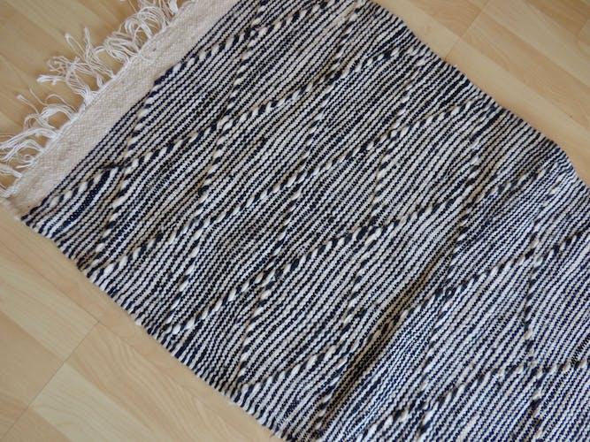 Tapis zanafi noir et blanc 110x55cm