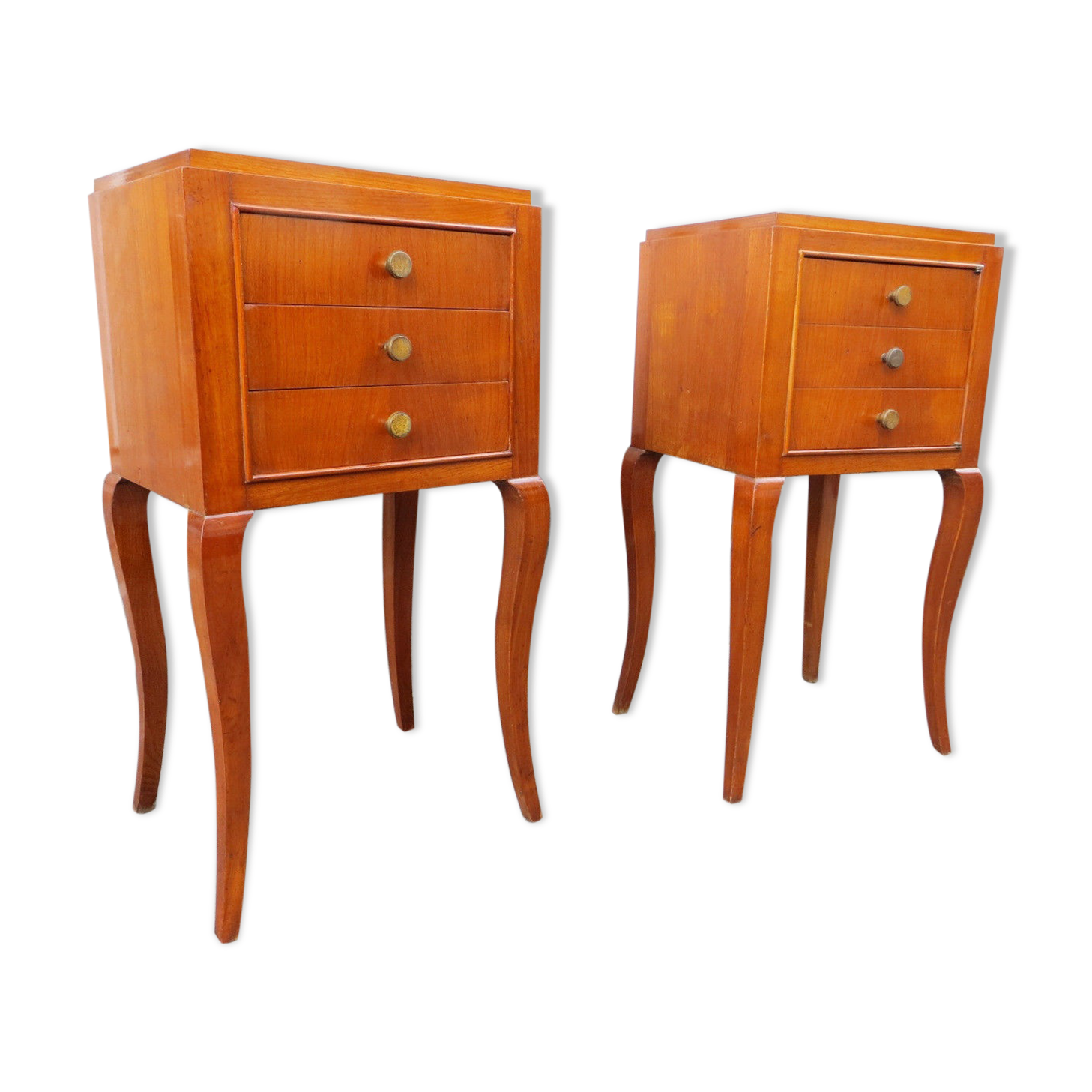 table de chevet jaune trendy table de chevet etroite tables nuit et chevets en rotin alin a. Black Bedroom Furniture Sets. Home Design Ideas