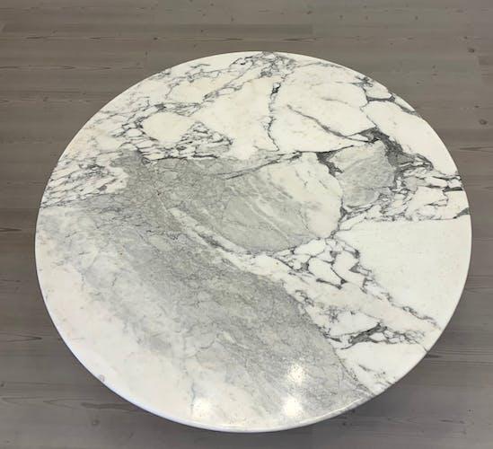 Table ronde Tulip par Eero Saarinen pour Knoll International, années 1970
