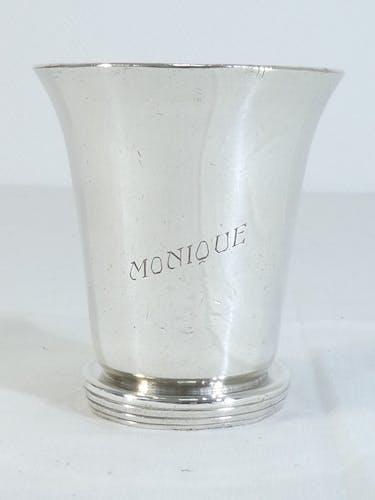 """Timbale sur piedouche en metal argenté """"Monique"""" ravinet denfer"""