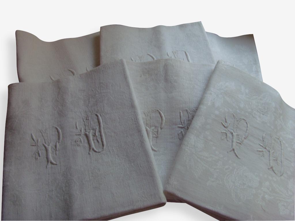 6 serviettes de table damasées brodées anciennes