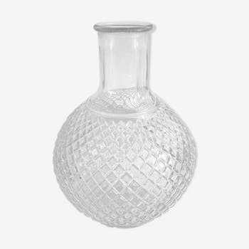 Bouteille en verre ciselé