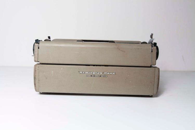 Machine à écrire remington Quiet Riter Miracle tab