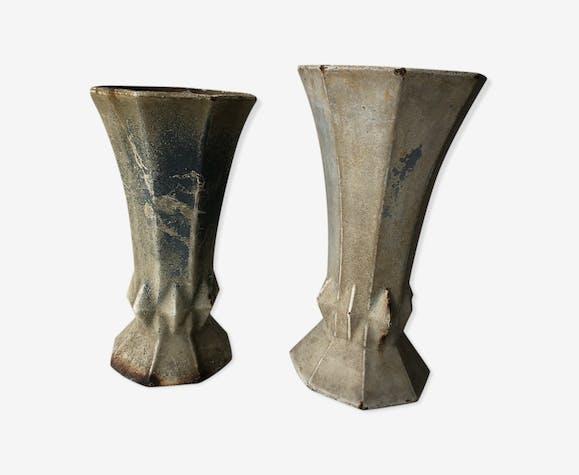 Duo de vases en fonte anciens