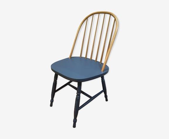 Chaise à barreaux bleue