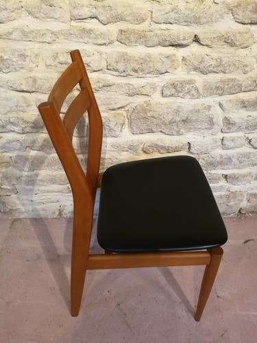 Ancienne chaise assise skaï scandinave
