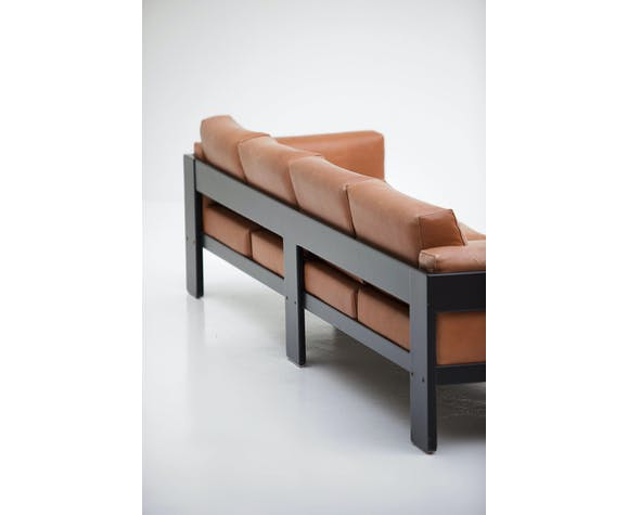 Canapé Bastiano de quatre places, conçu par Tobia Scarpa en 1962