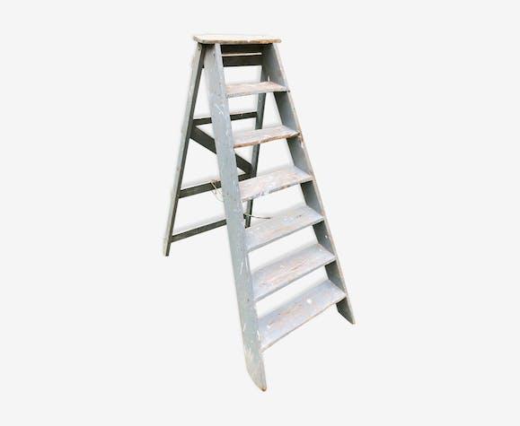 Ancient painter's ladder