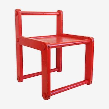 Chaise enfant en bois rouge vintage