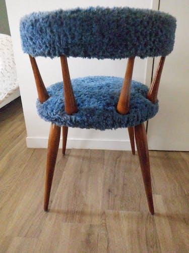 Chaise cocktail bleu signé MB