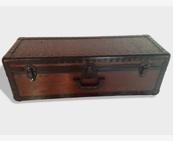 ancienne malle valise ann e 1930 bois m tal restaur e bois mat riau marron industriel. Black Bedroom Furniture Sets. Home Design Ideas