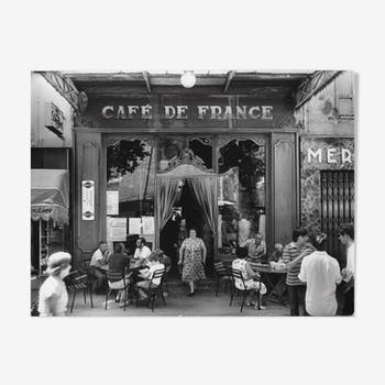 "Photo, ""Le café de France in L'Isle-sur-la-Sorgue"", 1979 / Tribute to Willy RONIS / 15 x 20"