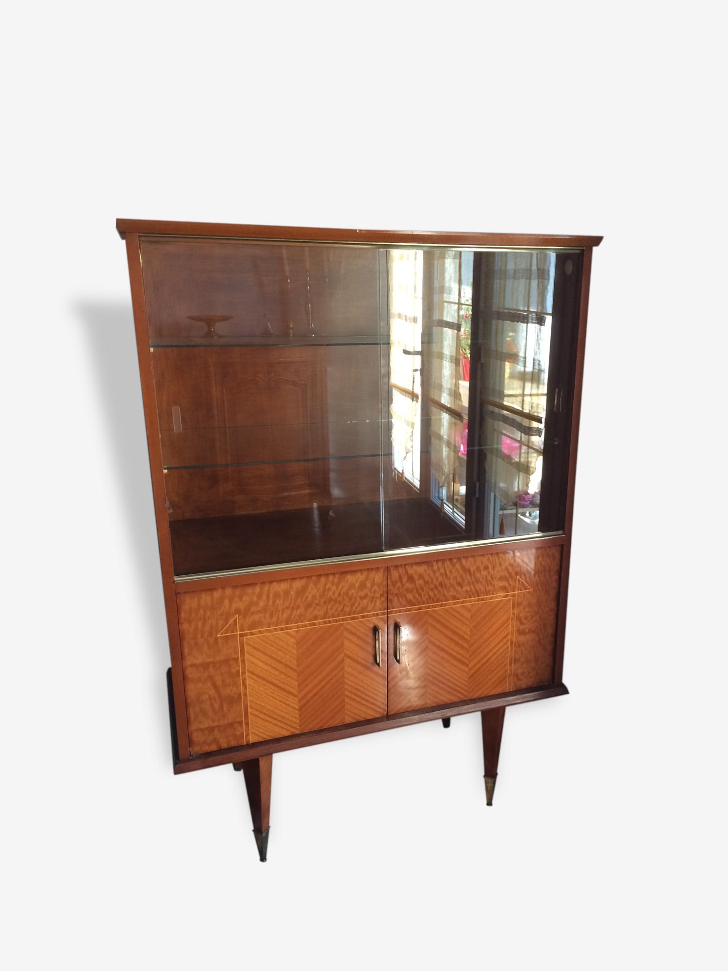 Meuble vintage avec vitrine