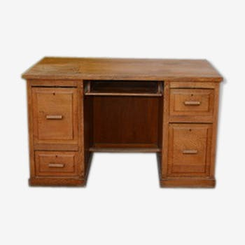 Adult administrative desk