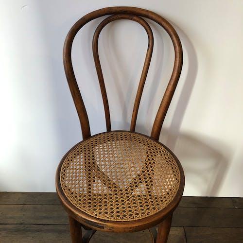 Chaise vintage Thonet en bois courbé et cannage