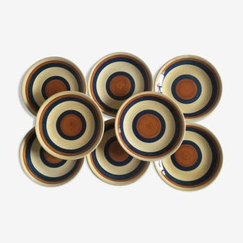 set of 8 flat plates in faience from Gien 1970s