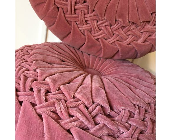 Folded velvet round cushion