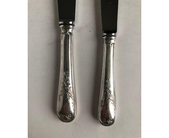 Ensemble de 24 couteaux en métal argenté