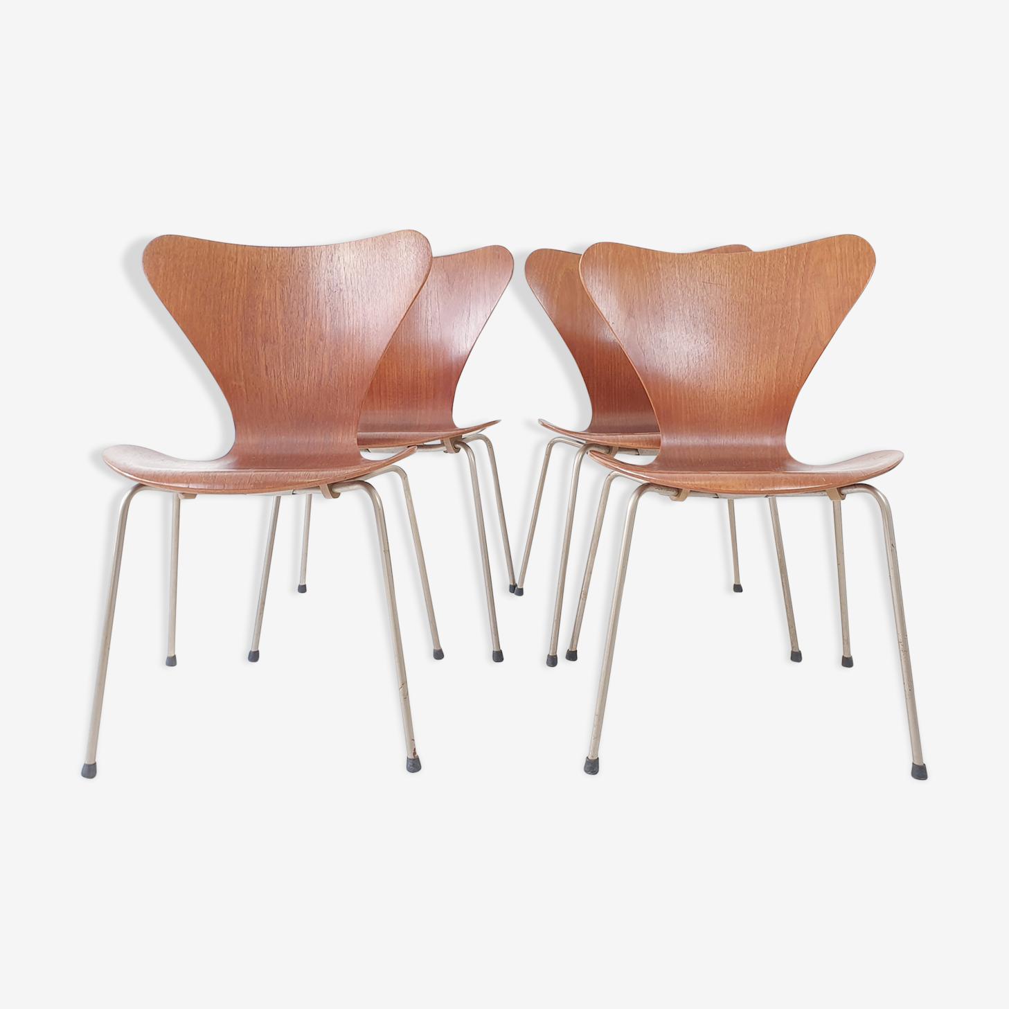 Ensemble de 4 chaises Series 7 3107 en teck par Arne Jacobsen