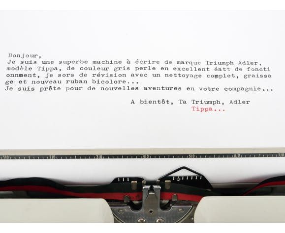 Machine à écrire Triumph Adler Tippa gris perle révisée ruban neuf