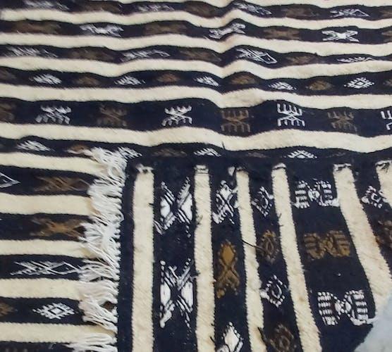 Tapis kilim bleu et blanc fait main 145x90cm