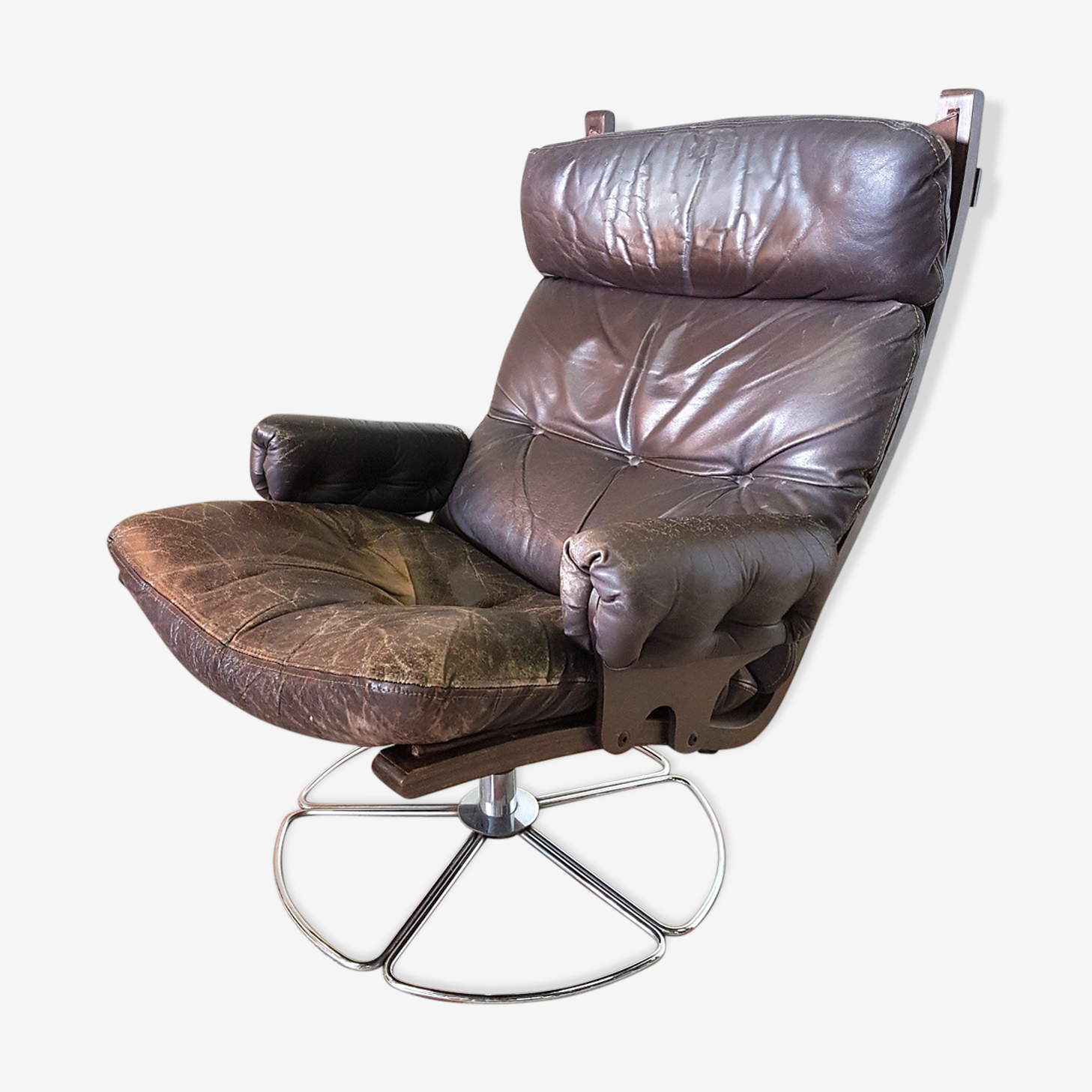 Armchair in leather