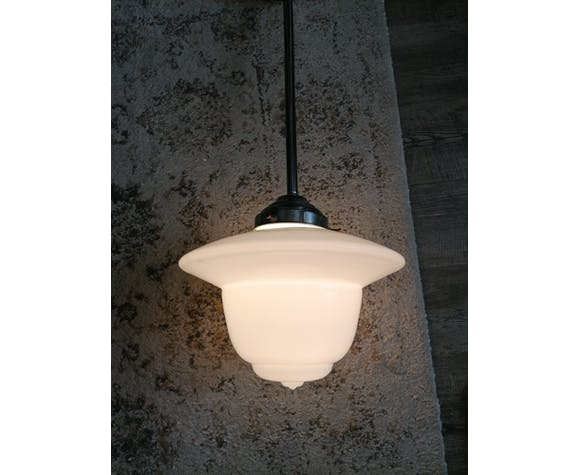 Suspension en opaline