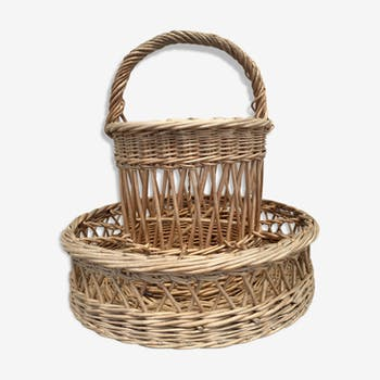 Vintage braided wicker basket-bar