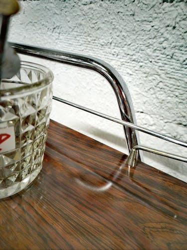 Chariot bar vintage à roulettes