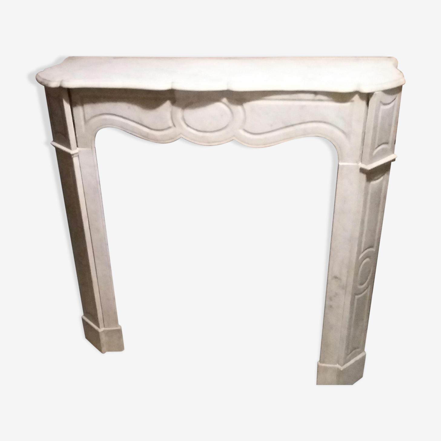 Cheminee pompadour en marbre de carrare