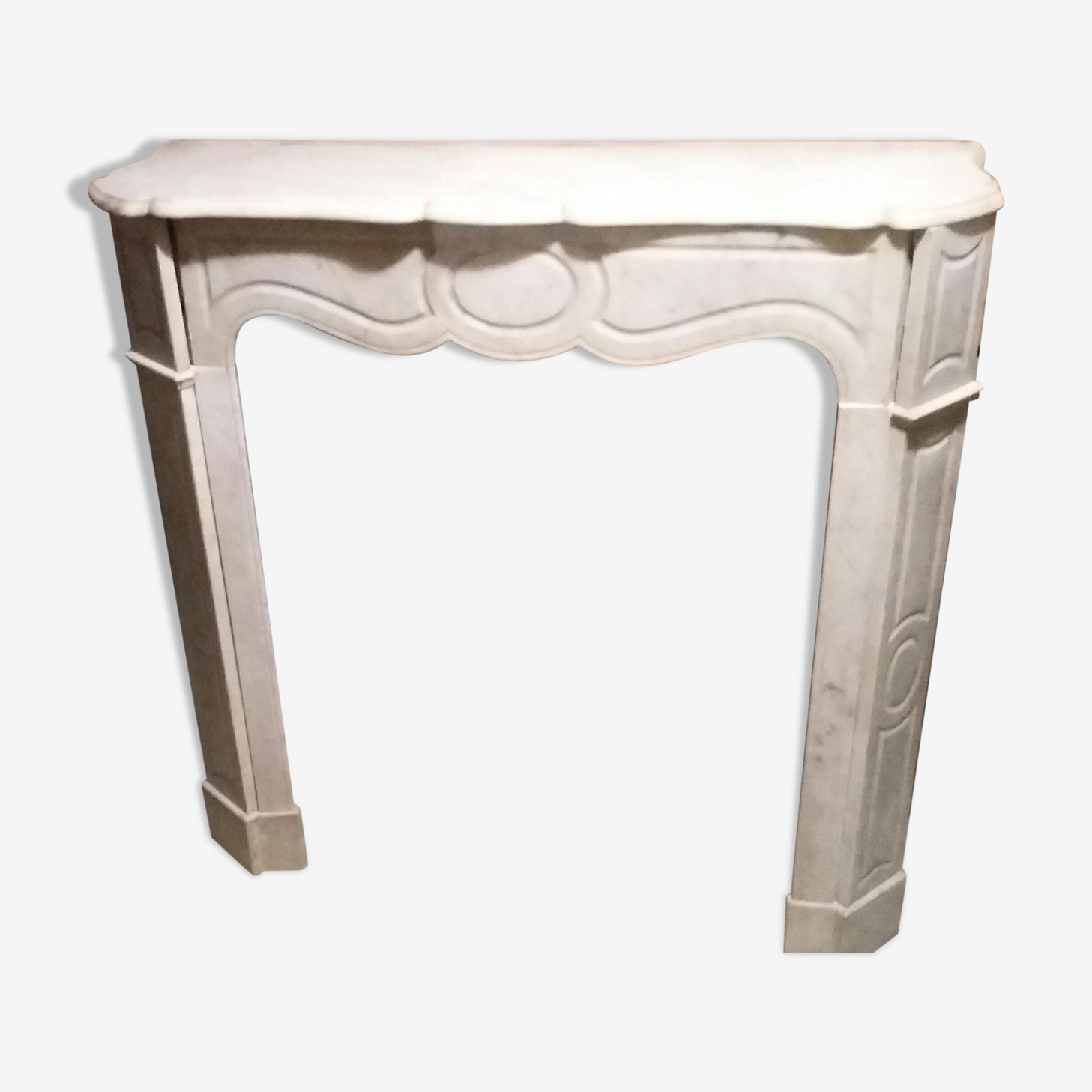 Pompadour fireplace in marble of carrara