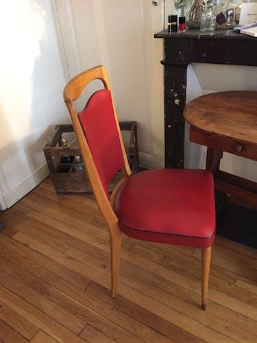 Chaise vintage bois et skai rouge années 60