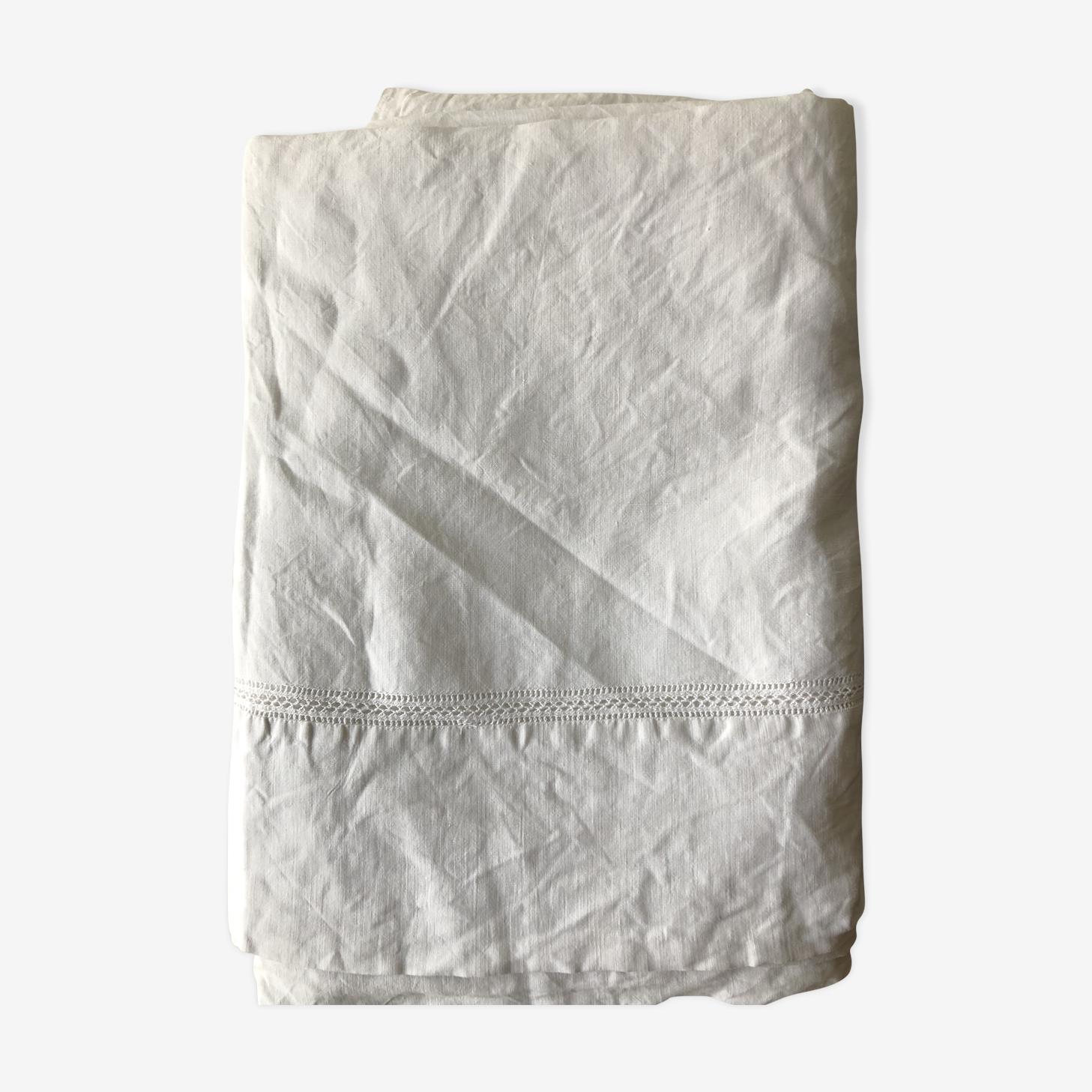 Drap ancien en coton brodé et ajouré 220/310