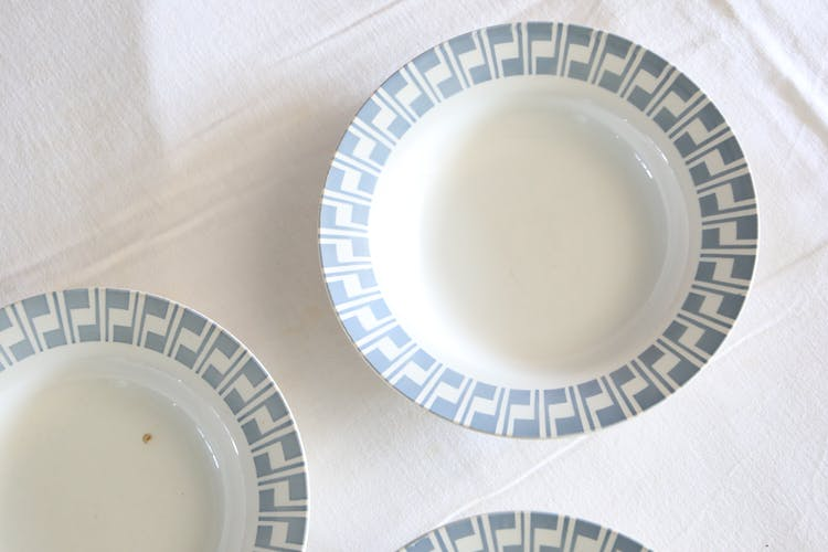 Ensemble de 4 assiettes Digoin, motifs géométriques bleus, vintage français, rustique, campagne