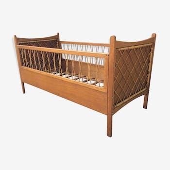 couffin en rotin avec support pliant rotin et osier marron vintage 8220. Black Bedroom Furniture Sets. Home Design Ideas