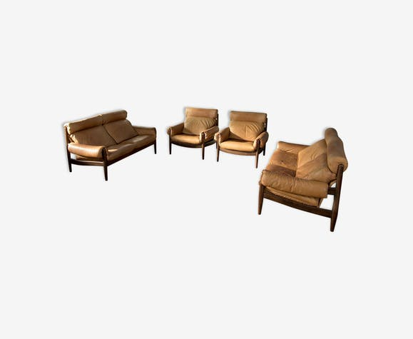 Leather living room set by Durlet