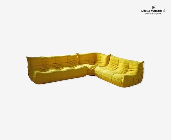 Set de 3 canapés Togo en microfibre jaune par Michel Ducaroy pour Ligne Roset