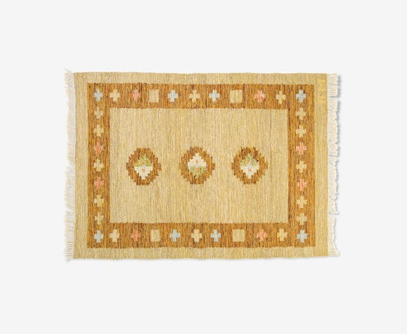 Scandinavian mid-century rug, signed. 192 x 138 cm (75.59 x 54.33 in).
