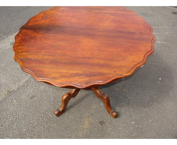 Table - end table in Walnut of the XIX century
