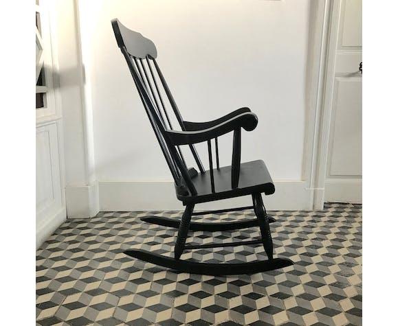 Rocking-chair noir en bois